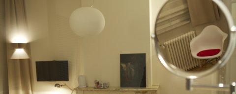 Gastenkamer Brussel 1 met balkon, airco en lift